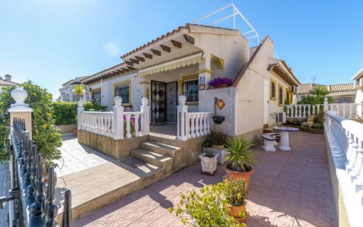 Semi-Detached Villa La Zenia